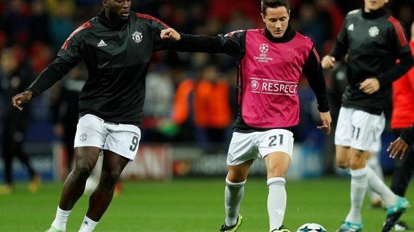 Man United's Herrera denies rift with Mourinho