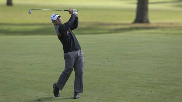 Landry hooks record, ties for first-round lead in Mississippi