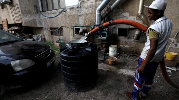 Libyans dig for water in latest test for capital's residents