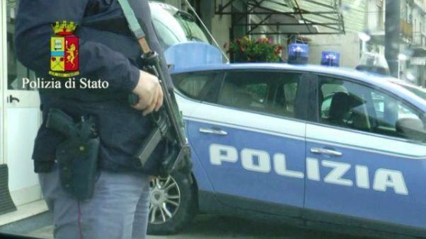Napoli,coltellata a figlio boss Giuliano