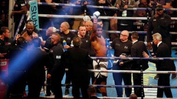 Lourds WBA/IBF - Joshua garde ses ceintures contre un Takam héroïque