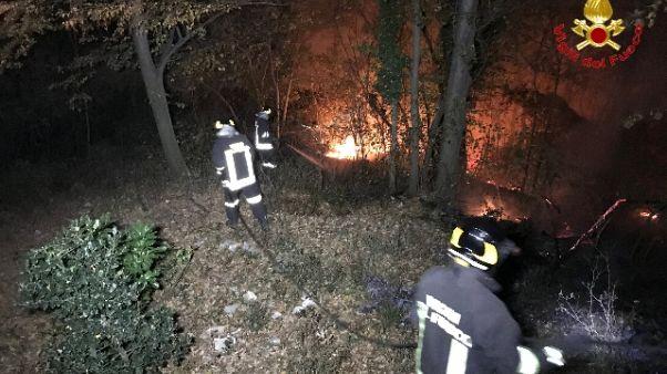 In Lombardia 4 i roghi, 15 evacuati