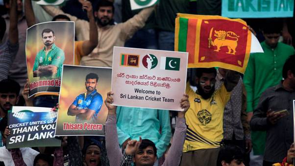 Cricket - Pakistan mark return of international cricket by beating Sri Lanka