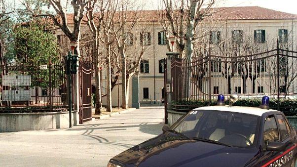 Detenuto in permesso evade a Torino