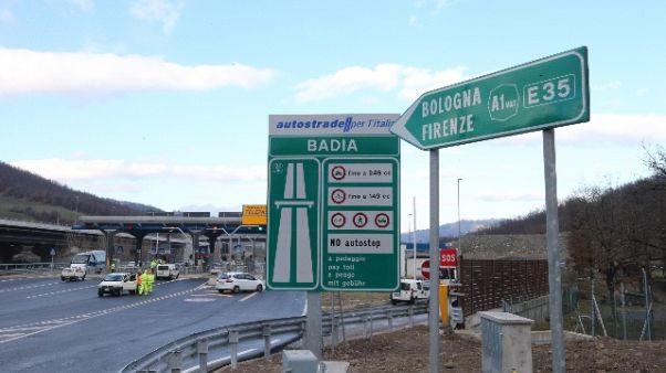 Terza corsia A1, 17 assolti a Firenze