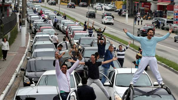 Uber scrambles to head off Brazil bill regulating ride software