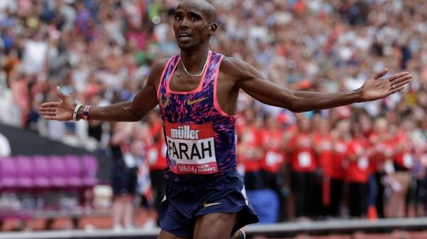 Farah splits with coach Salazer, moving back to London