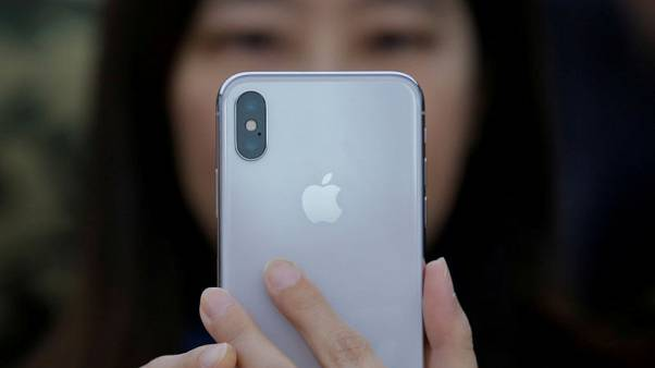 Ahead of iPhone X launch, China vendors cut prices of iPhone 8 models