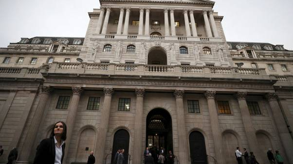 Rookies and robots brace for first UK rate rise since 2007