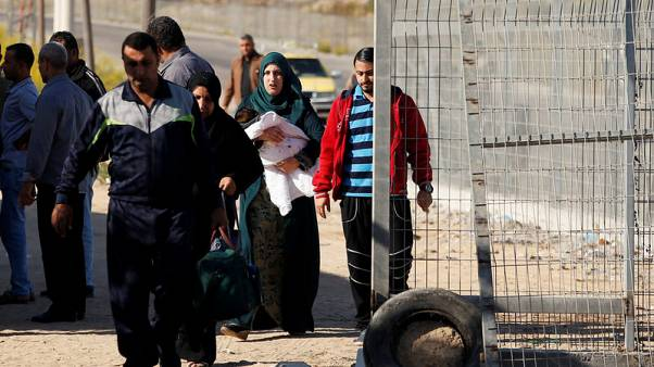 Hamas cedes Gaza border crossings to Palestinian Authority control