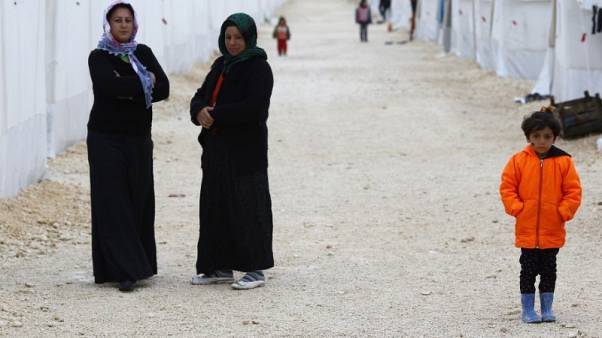 More than 180,000 people, mostly Kurds, displaced by Iraqi-Kurdish conflict