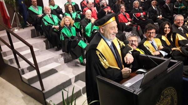 Stiglitz, mercato non assicura nulla