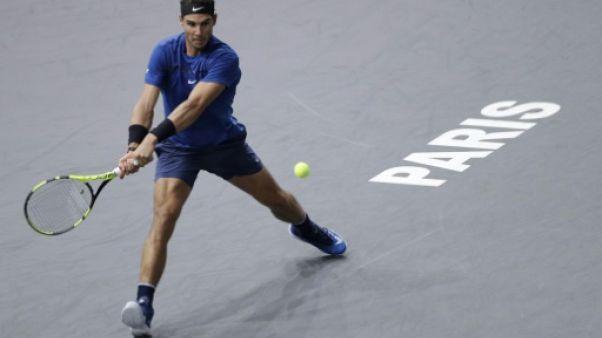 Tennis: Nadal souffre mais passe en quarts à Paris-Bercy