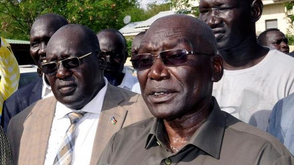 South Sudan withdraws troops surrounding ex-military chief's house