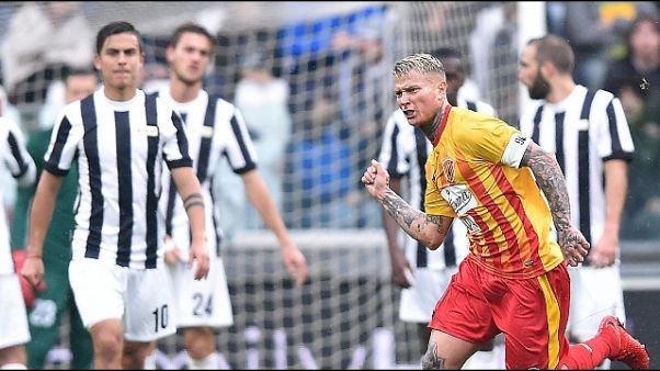 Serie A: Napoli frena, Juve a -1