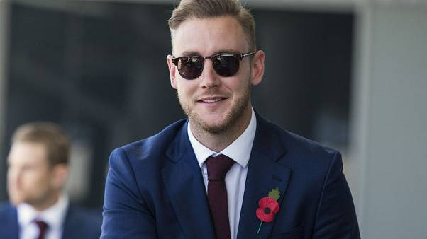 England cricketer Stuart Broad smiles as he arrives with the England cricket team at Perth's International airport in Australia, October 29, 2017.      AAP/Will Russell/via REUTERS