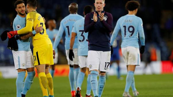 Soccer Football - Premier League - Leicester City vs Manchester City - King Power Stadium, Leicester, Britain - November 18, 2017   Manchester City's Kevin De Bruyne applauds fans after the match                  REUTERS/Darren Staples