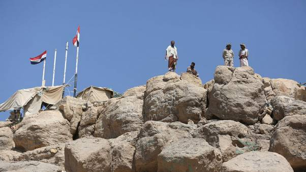 Pro-government soldiers stand at their position overlooking the Marib Dam near the the northern city of Marib, Yemen   November 3, 2017. REUTERS/Ali Owidha