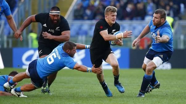 Britain Rugby Union - Italy vs New Zealand - Stadio Olimpico, Rome, Italy - 12/11/16 New Zealand's Damian McKenzie in action with Italy's Simone Favaro Reuters / Tony Gentile Livepic