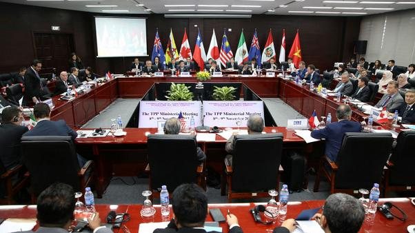 TPP trade pact in disarray as Canada holds up talks