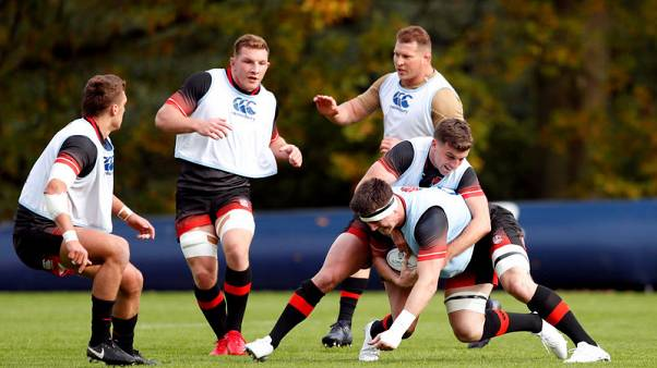 Rugby Union - England Training - Pennyhill Park, Bagshot, Britain - November 9, 2017   England's Tom Curry, Dylan Hartley, George Ford and Sam Underhill during training   Action Images via Reuters/Andrew Boyers