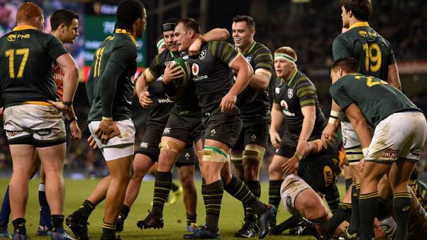 Four-try Ireland hammer dreadful South Africa 38-3