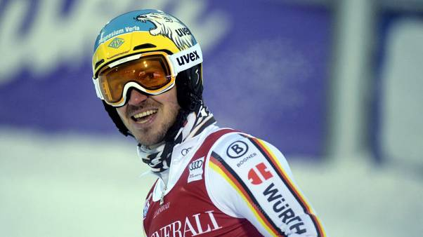 Alpine skiing - Neureuther cashes in on Ryding error to win opener