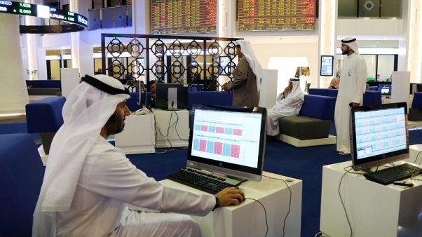 أسهم البنك الأول تقفز في السعودية، والتوترات السياسية تضغط على بورصات الخليج