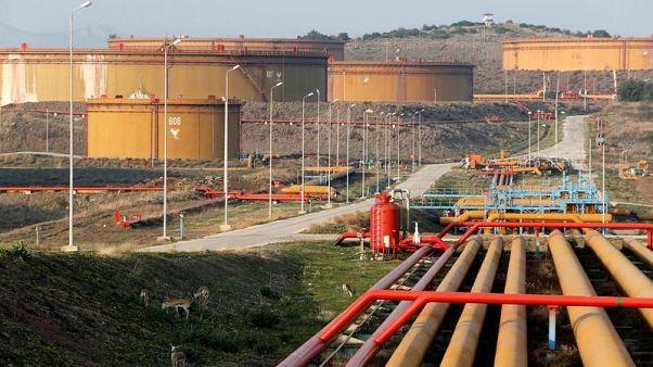 صورة من أرشيف رويترز لمستودعات نفط في ميناء جيهان التركي على البحر المتوسط..