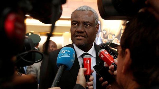 الاتحاد الإفريقي يدعو إلى حل ديمقراطي للأزمة السياسية في زيمبابوي