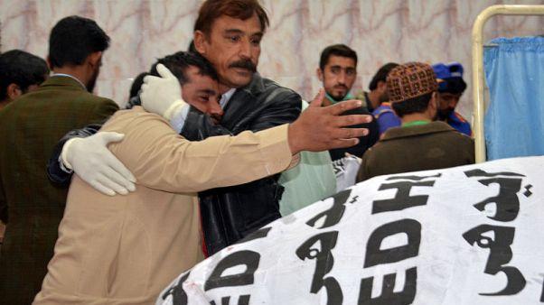 مسلحون يقتلون ضابطا بالشرطة وأفرادا من أسرته في باكستان