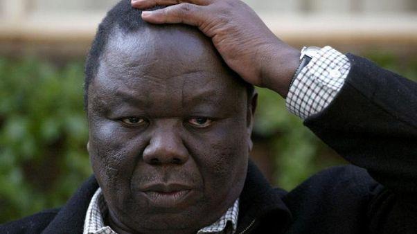 زعيم المعارضة في زيمبابوي يدعو موجابي للتنحي
