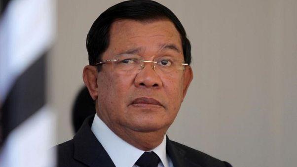 هون سين رئيس وزراء كمبوديا - صورة من أرشيف رويترز