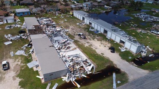 جانب من الدمار الناجم عن الإعصار هارفي في تكساس في صورة التقطت من الجو يوم 31 أغسطس آب 2017. تصوير: رويترز