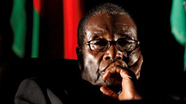 صورة من أرشيف رويترز لرئيس زيمبابوي روبرت موجابي.