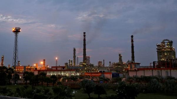 نفط الشرق الأوسط وأمريكا يكبح إقبال الهند على الإمدادات الافريقية