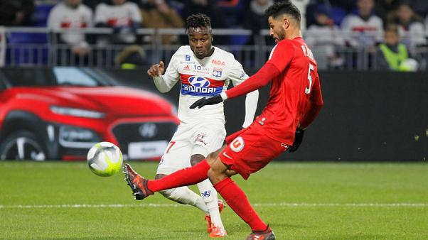 Lyon and Marseille miss chance to join title hunt