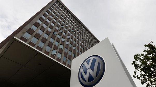 فولكسفاجن تسرع جهودها لريادة سوق السيارات الكهربائية بخطة قيمتها 40 مليار دولار