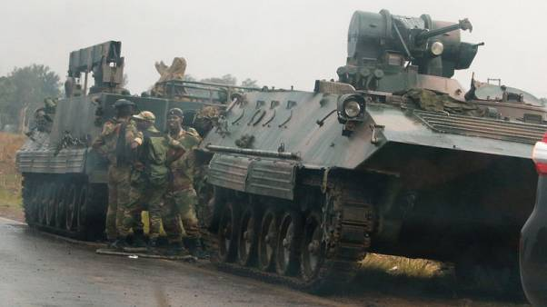 UK tells its citizens in Zimbabwe to stay indoors