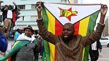 الآلاف يتدفقون على شوارع عاصمة زيمبابوي ابتهاجا بسقوط موجابي المتوقع