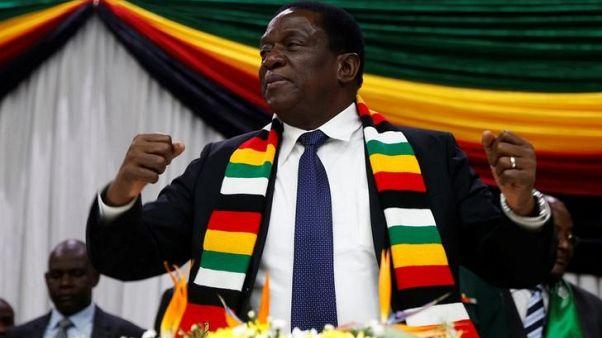 نجاة رئيس زيمبابوي دون إصابات بعد انفجار أثناء تجمع انتخابي