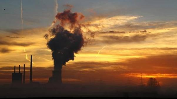 The sun rises behind the Uniper coal power plant in Hanau, Germany, early morning November 23, 2016.   REUTERS/Kai Pfaffenbach