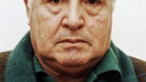 FILE PHOTO: Sicilian mafia boss Toto Riina poses for a police mugshot in this 1993 handout. REUTERS/Polizia Di Stato/Handout /File Photo