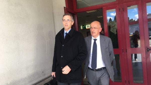 Legali ex premier chiedono proscioglimento, 'manca prova'