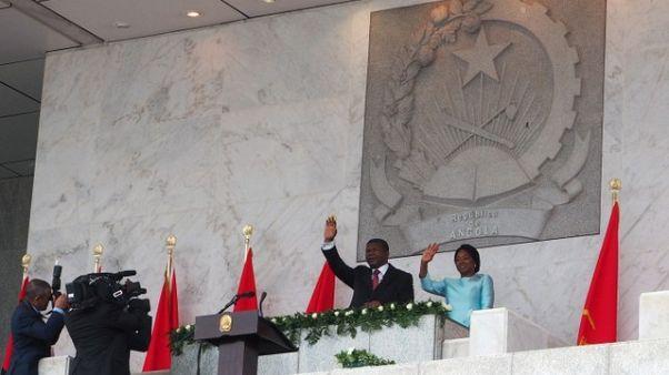 رئيس أنجولا الجديد يقيل قائدي الشرطة والمخابرات