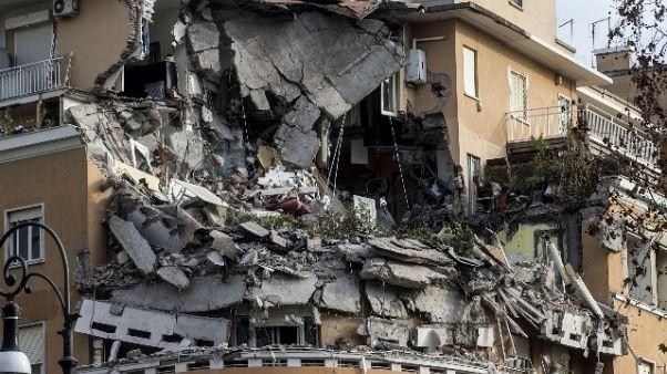 Crollo Roma: gup,3 a giudizio un assolto