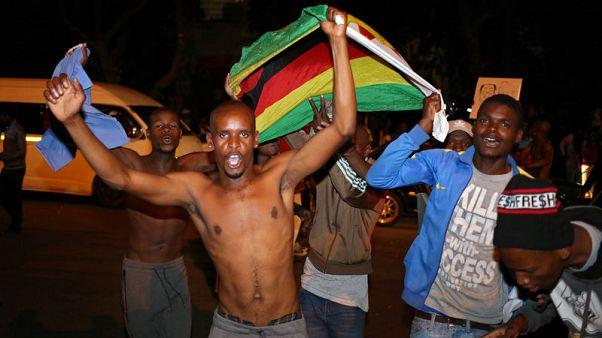 موجابي يستقيل من رئاسة زيمبابوي بعد أربعة عقود في الحكم