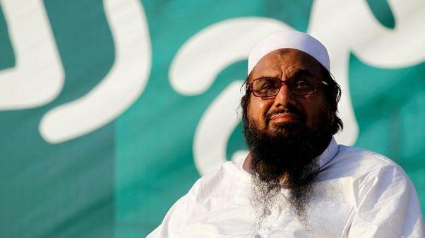 القيادي الإسلامي حافظ سعيد رئيس جماعة الدعوة في صورة من أرشيف رويترز.
