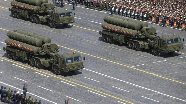 وزير: تركيا تتوقع تسلم نظام إس-400 الصاروخي من روسيا في 2019