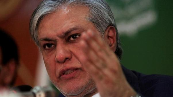 Pakistan's Finance Minister Ishaq Dar gestures during a news conference in Islamabad, Pakistan, May 25, 2017. REUTERS/Faisal Mahmood